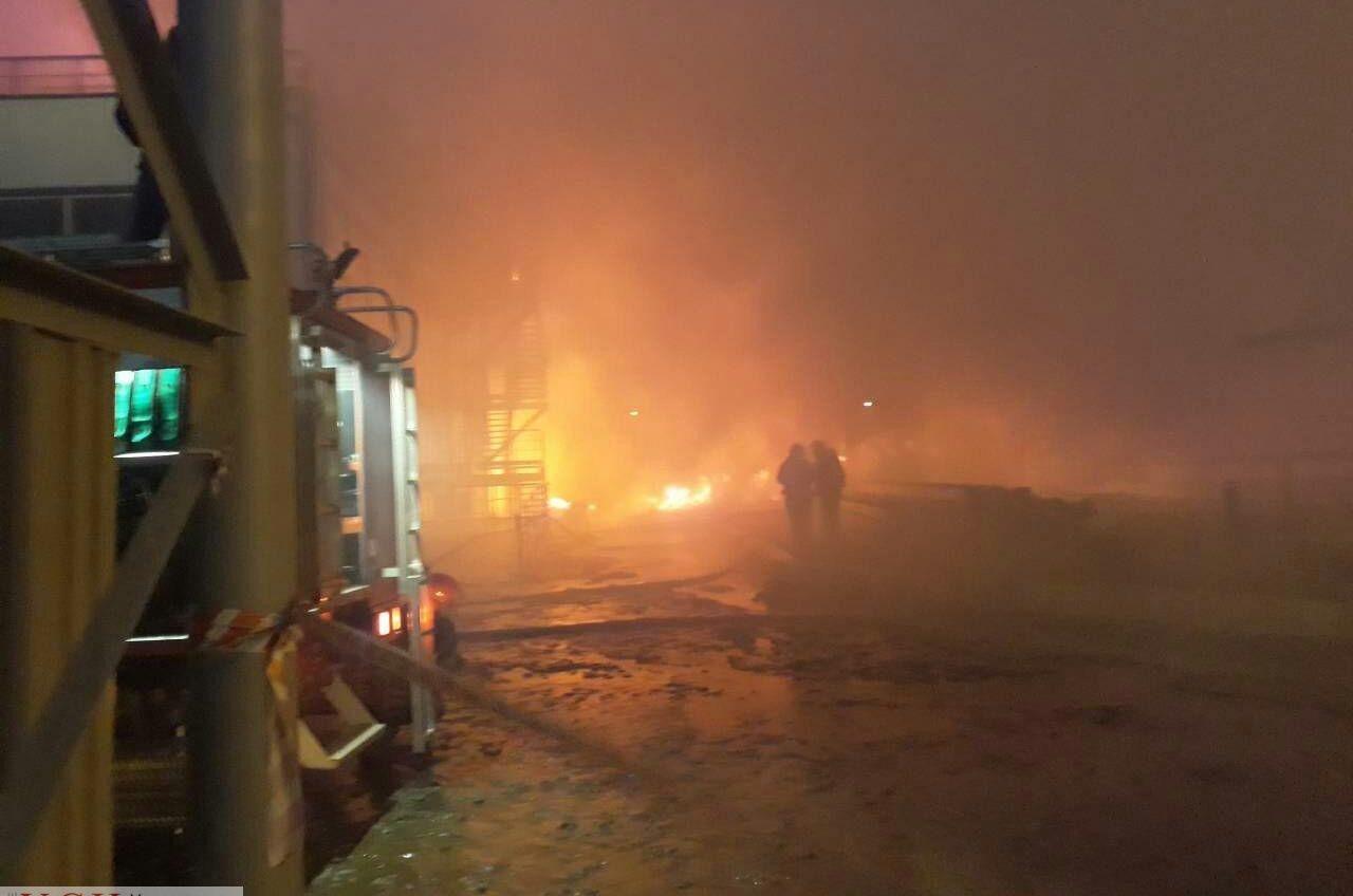 Пожар на маслокомбинате в Южном тушили почти 12 часов (фото) «фото»