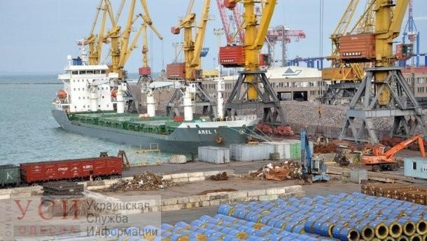 После пожара порт «Южный» работает в штатном режиме «фото»