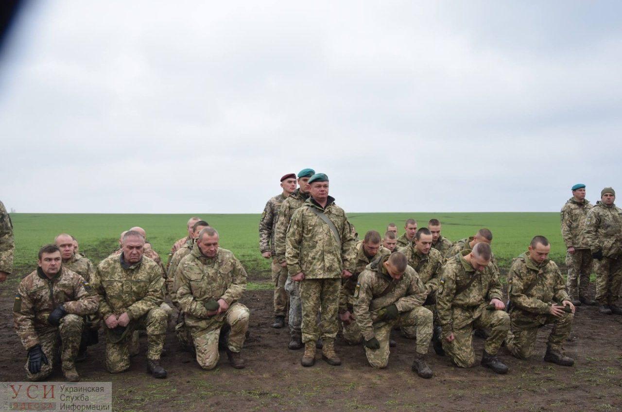 «Крым надо брать!», — в Одесской области бойцы нового 35-го батальона морской пехоты ради беретов ныряли в ледяную воду и тянули БТР (видео) «фото»