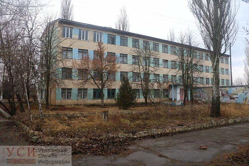Фонтанское гетто: как уже больше двух лет в заброшенной школе-интернате выживают полсотни переселенцев с Востока Украины «фото»