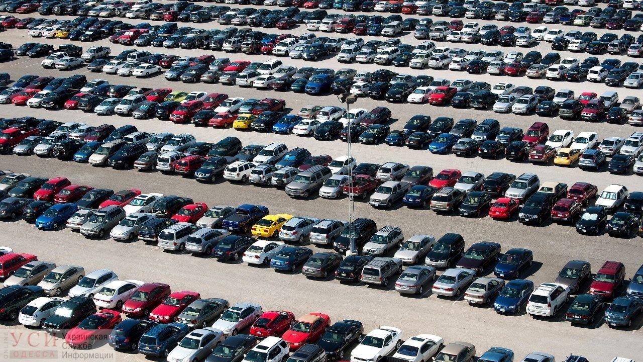 Выдуманные тарифы и нерабочие паркоматы: одесские парковщики готовы к сезону (видео) «фото»