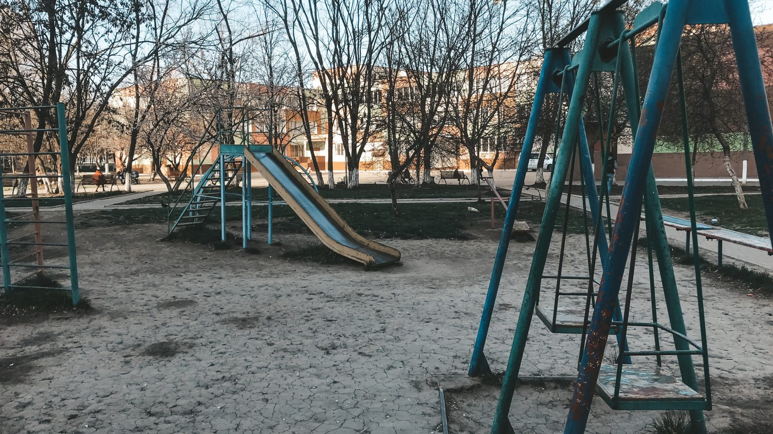 Детские площадки Таирова: советские, запущенные и пустые (фото) «фото»