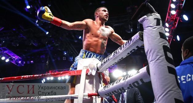 Ломаченко сломал себе руку во время нокаутирующего удара (фото, видео) «фото»