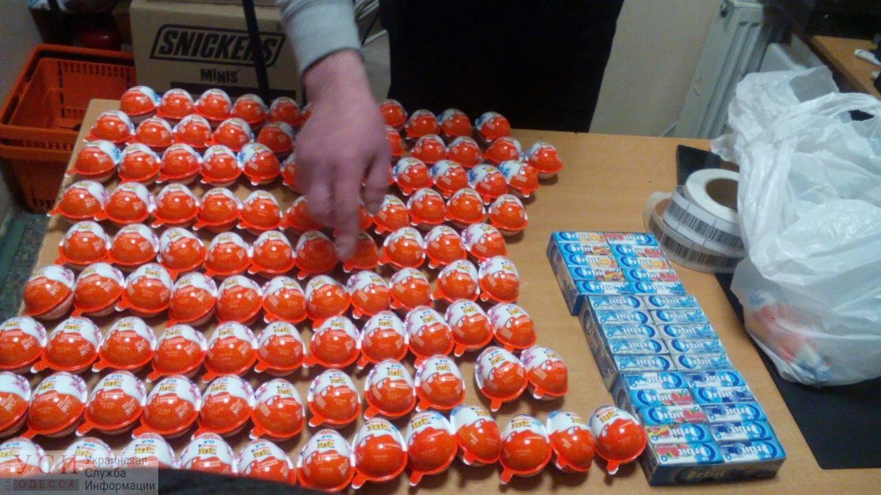 Под Одессой турист из Запорожья пытался украсть «Киндеры», а в Одессе — киевлянка несколько блоков «Орбита»(фото) «фото»