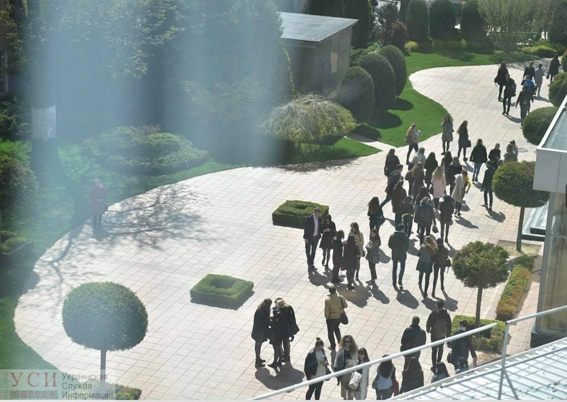 СБУ эвакуировала студентов и преподавателей из здания Юракадемии «фото»