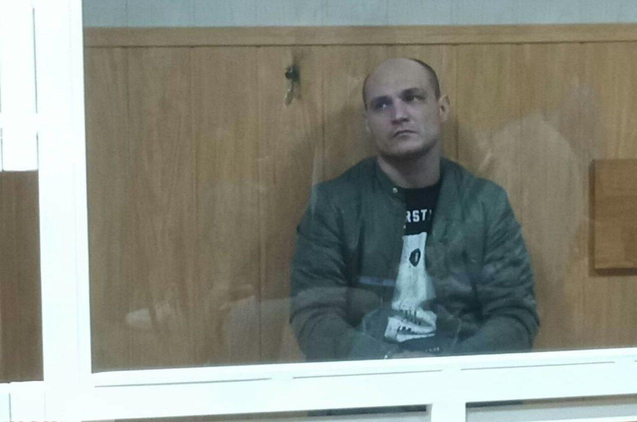 «Я их не добивал, я им помогал»: мужчину, который избивал нацгвардейцев после ДТП, отправили в СИЗО на 2 месяца (фото) «фото»