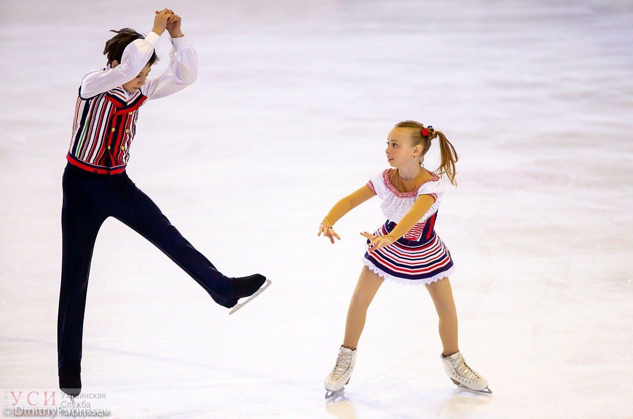 Фигуристы Одессы завоевали 15 медалей на Всеукраинских соревнованиях (фото) «фото»