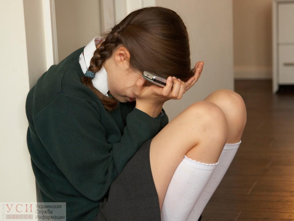 В Одесской области ученица шестого класса ударила одноклассницу головой об стену: девочку с сотрясением забрала «скорая» «фото»