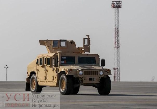 В Одессу прибыли боевые Hummer для фронта «фото»