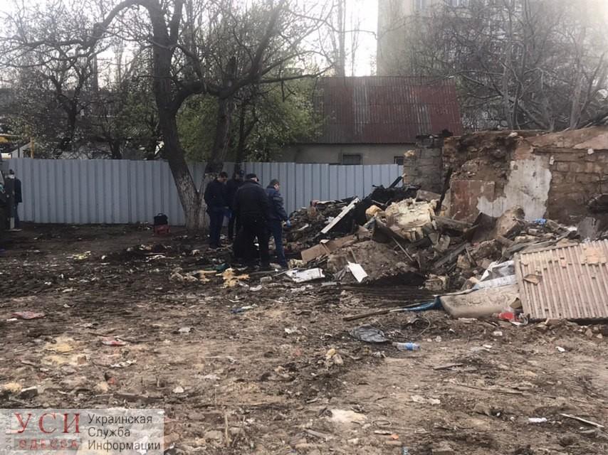 Одесская полиция просит помощи в опознании обгоревшего трупа на стройке возле площади Толбухина (фото) «фото»