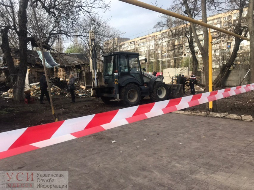 В Одессе нашли обгоревший труп в доме, который собирались снести ради стройки (фото, видео) «фото»