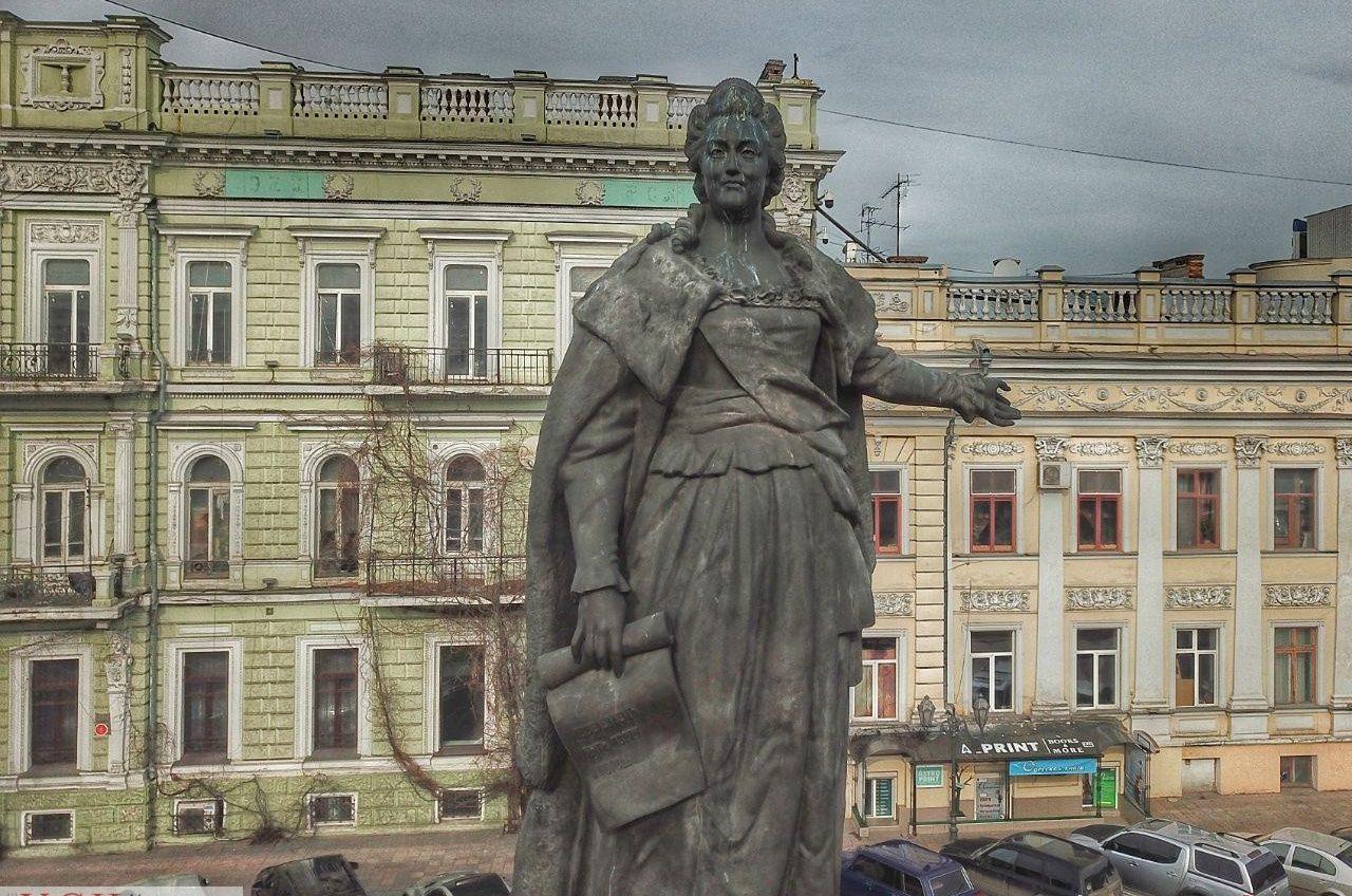 Памятник Екатерине II и основателям оставят на Екатерининской площади после 10 лет судов с требованием переноса «фото»