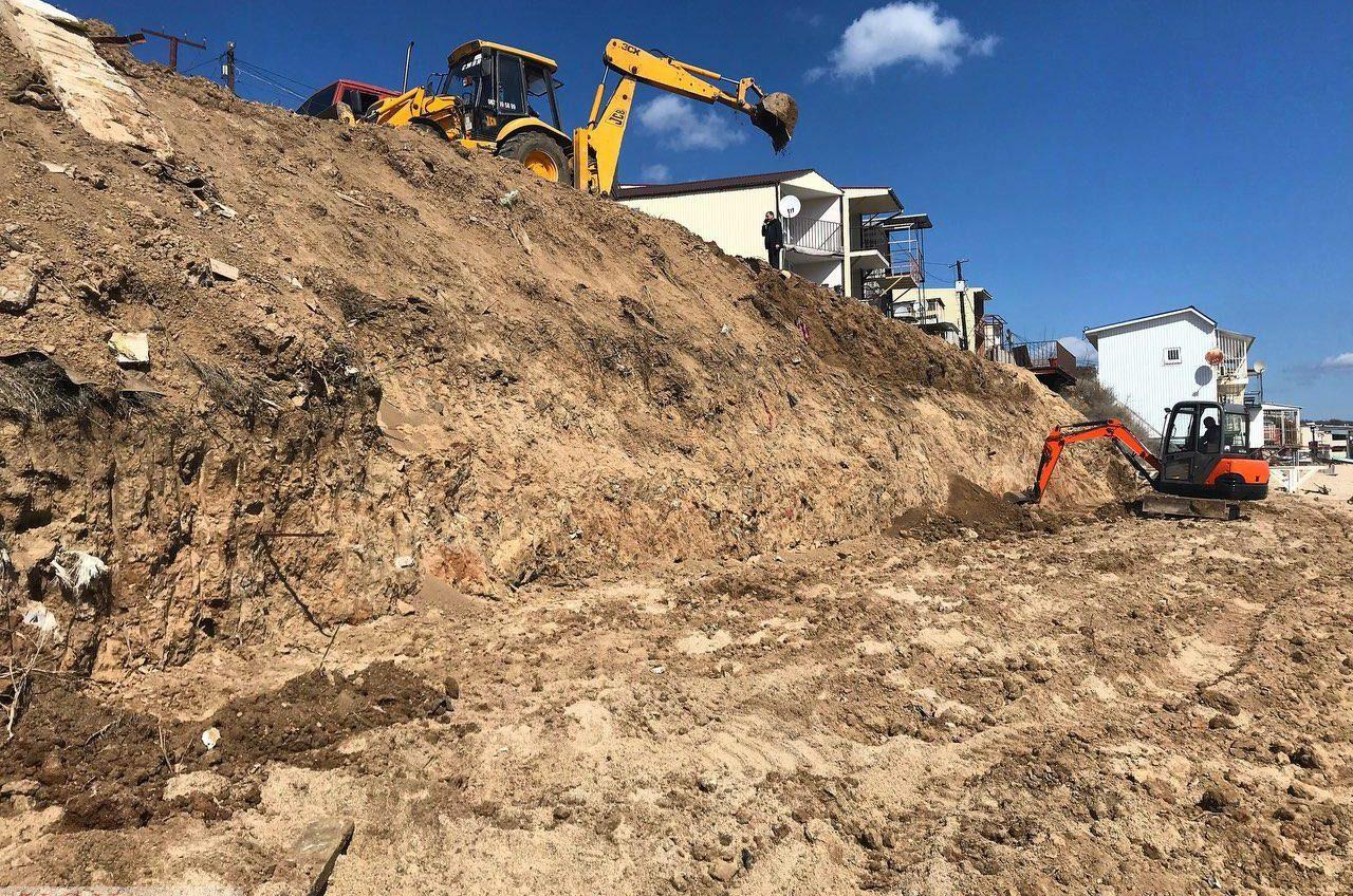 Захват пляжа на 411-й батарее: участок песка пытались застроить «рыбаки-любители» (фото) «фото»
