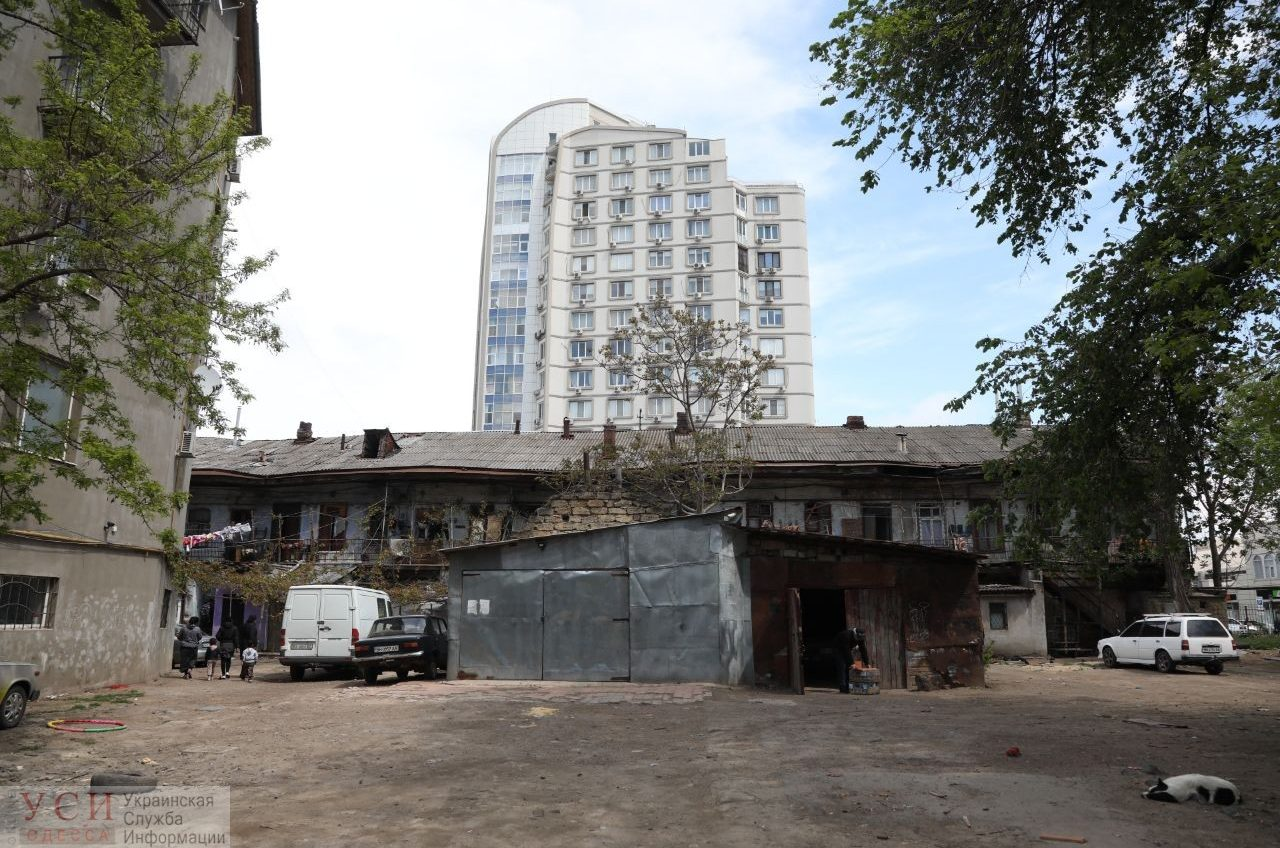 Место бедствия: как одесситы выживают на руинах Малой Арнаутской (фото, видео) «фото»