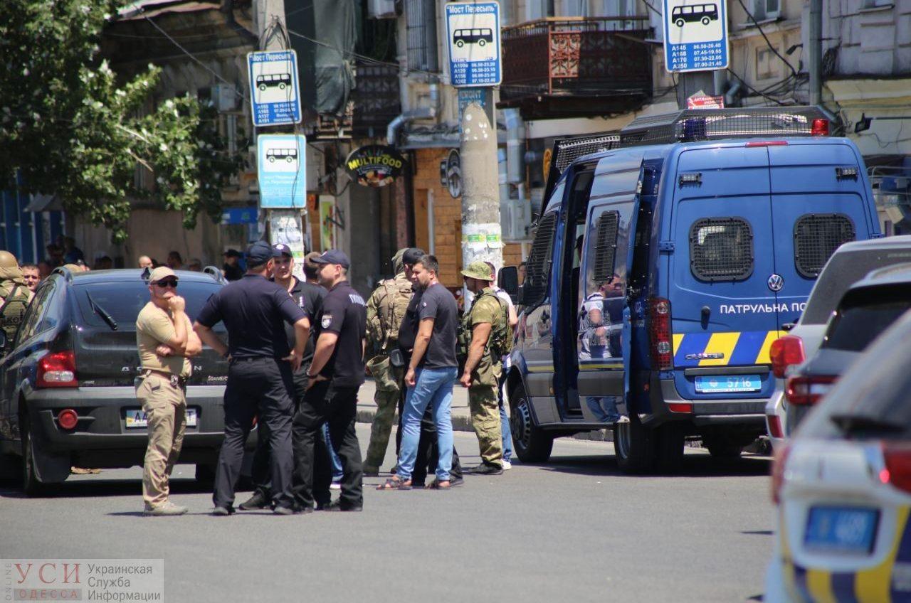 Появилось видео штурма одесского ломбарда с заложниками (фото, видео) «фото»