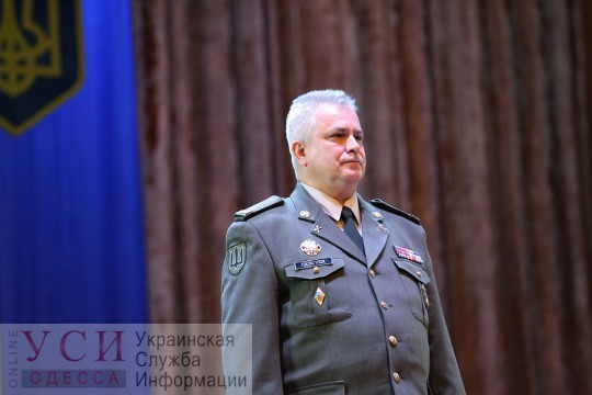 Полторак представил военнослужащим оперативного командования «Юг» нового командующего «фото»