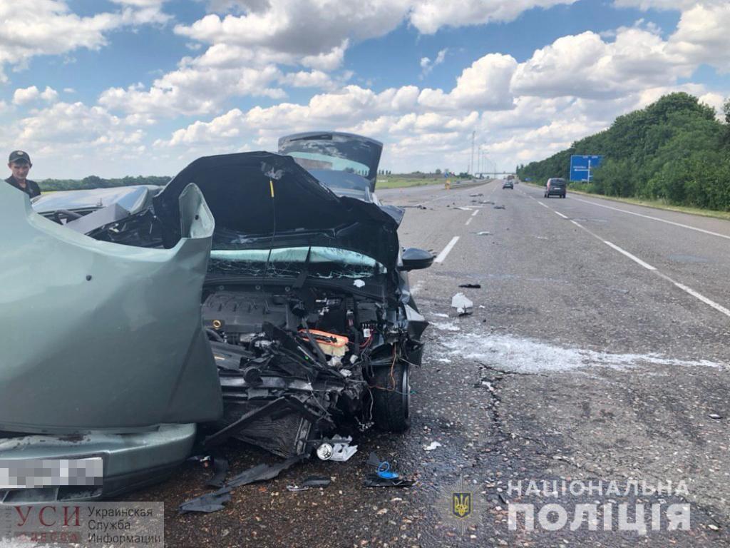 На трассе Одесса-Киев столкнулись две легковушки: есть погибший (фото) «фото»