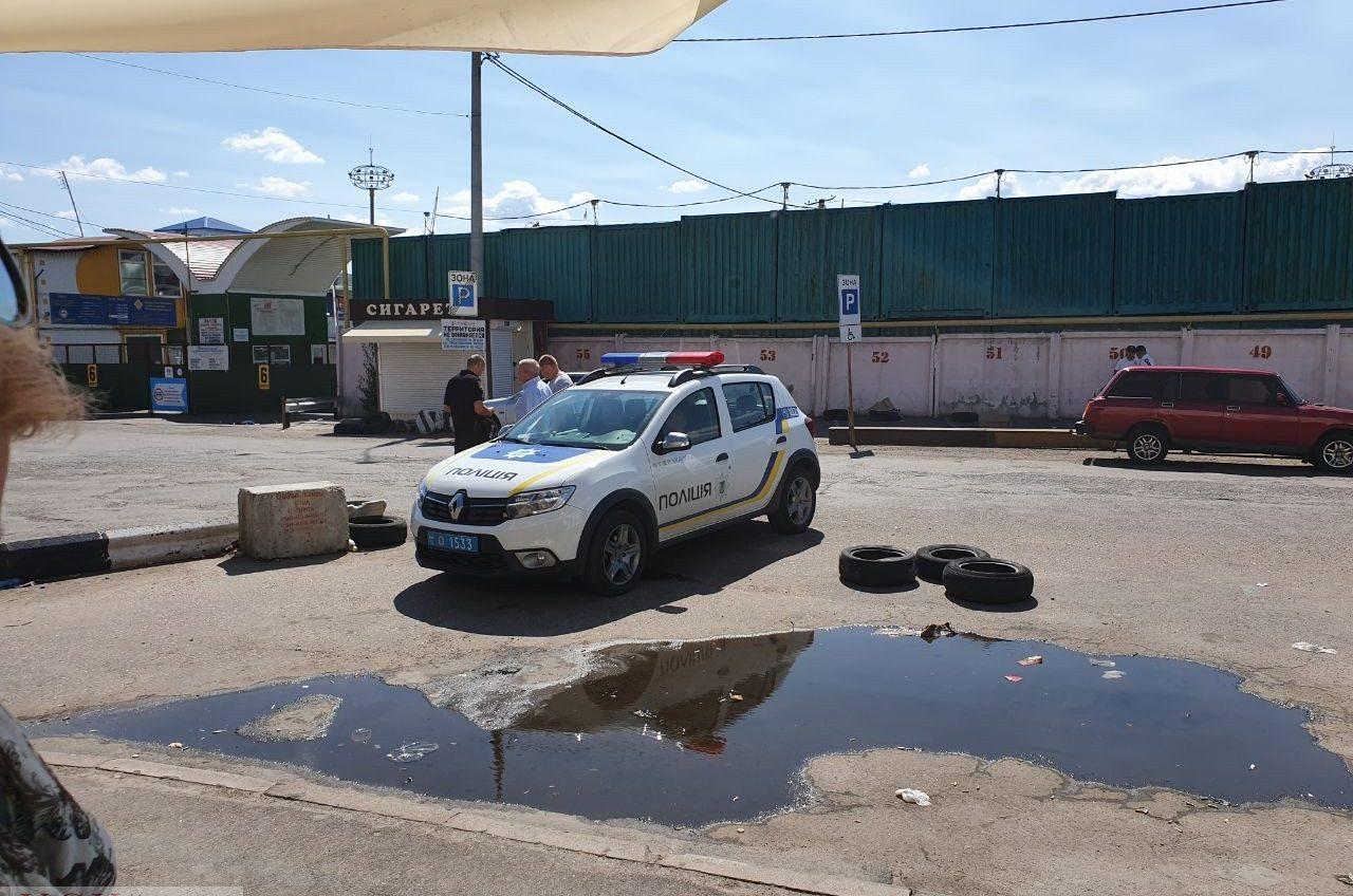 Два предпринимателя – одна парковка: операторы автостоянки «просто увезли» металл на тысячи гривен (фото, документ) «фото»