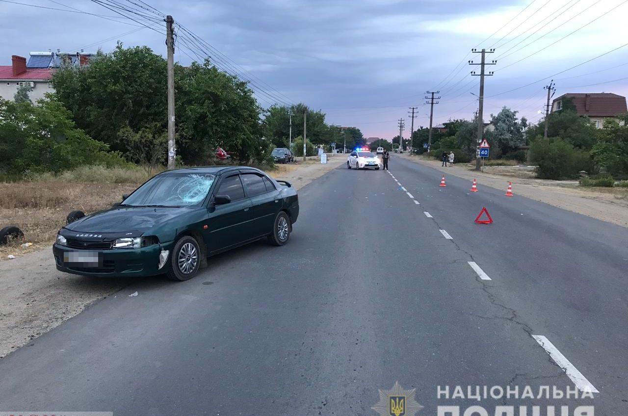 Отдыхающего в Затоке туриста сбил автомобиль, когда он переходил дорогу в неположенном месте «фото»