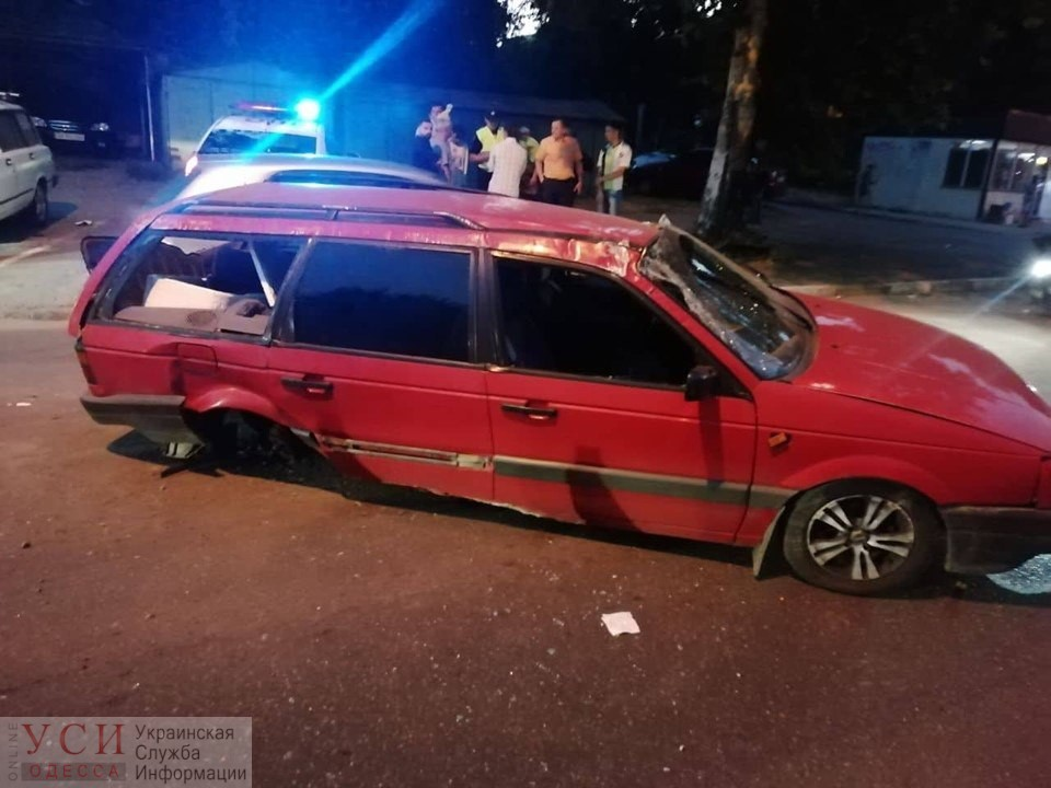 В Киевском районе столкнулись две иномарки, есть пострадавший «фото»