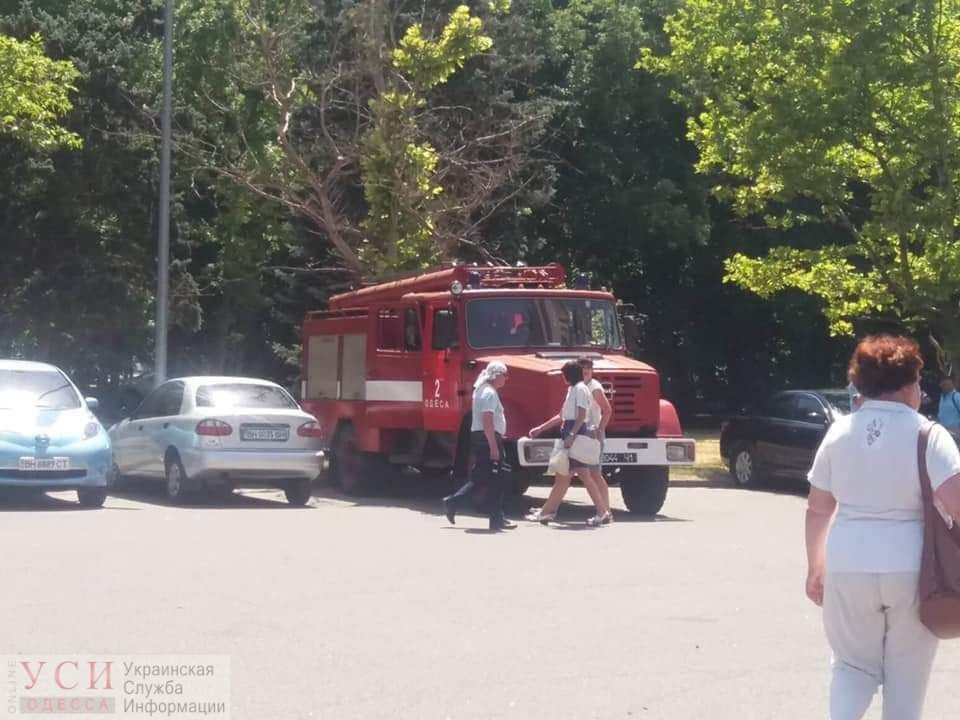 В Одессе «заминировали» 14 объектов: среди них аэоропорт, областная администрация суды и мэрия (фото) «фото»