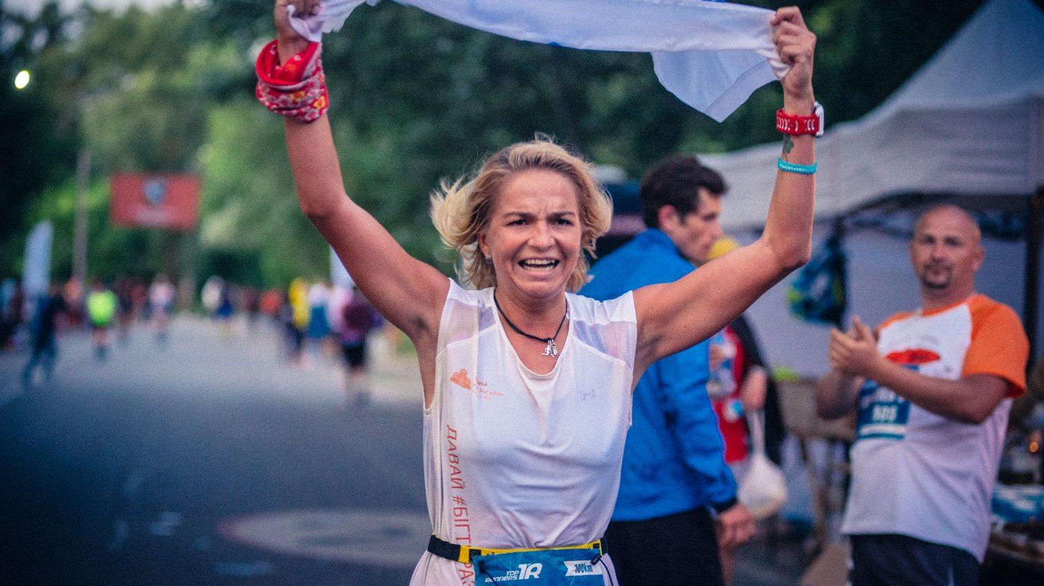 Одесситка первой пробежала 100 километров на киевском Ультрамарофоне-2019 (фоторепортаж) «фото»
