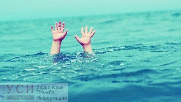 Бабушка не досмотрела: на Ланжероне ребенок едва не утонул в бассейне «фото»