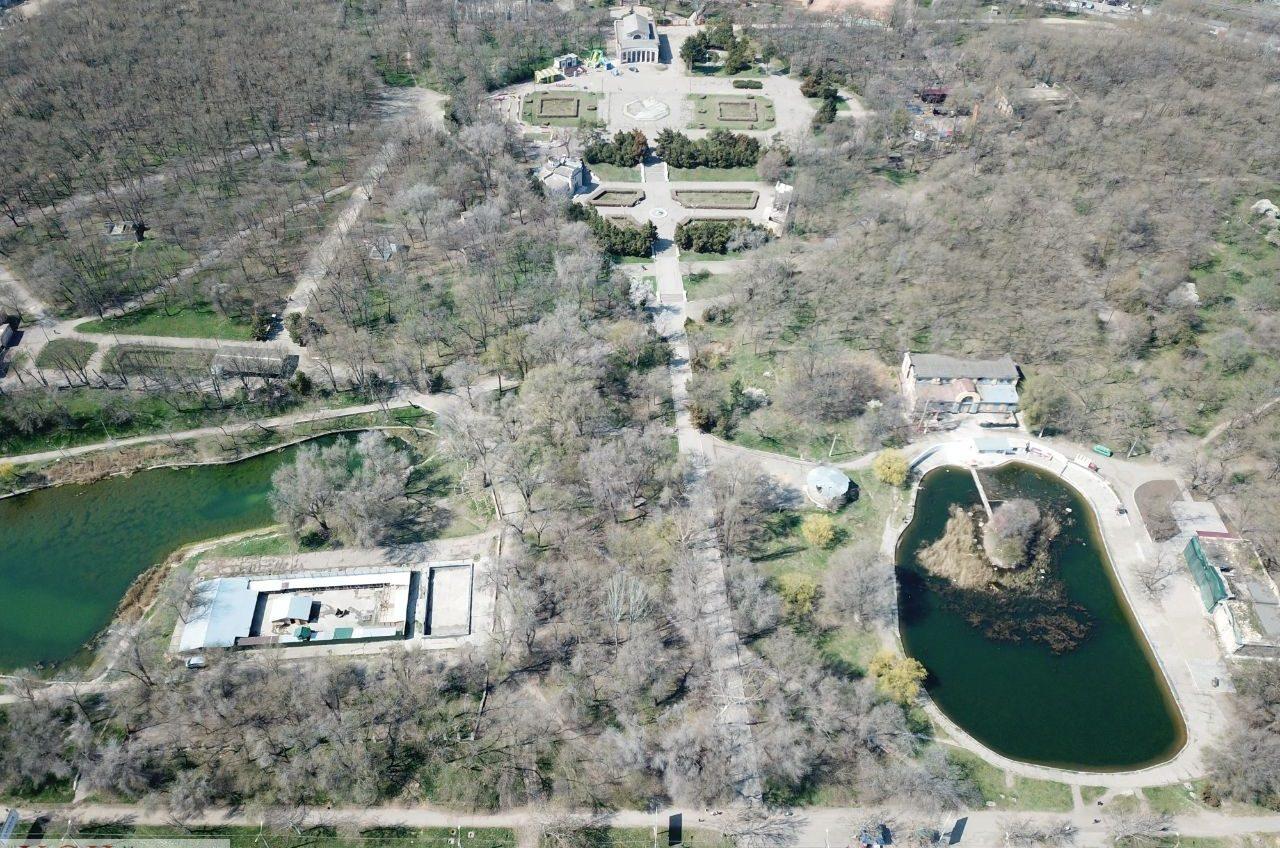 Ненужный парк: в мэрии снова поставили задачу привести в порядок Дюковский сад, который ушел за копейки в частные руки «фото»