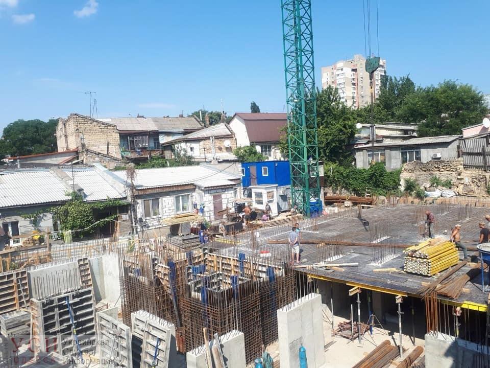 Странная стройка на Молдаванке: застройщик не пускает инспекцию ГАСКа (фото) «фото»