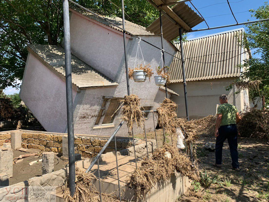 Буря в Одесской области: перевернутые дома и сотни разлагающихся животных (фото) «фото»