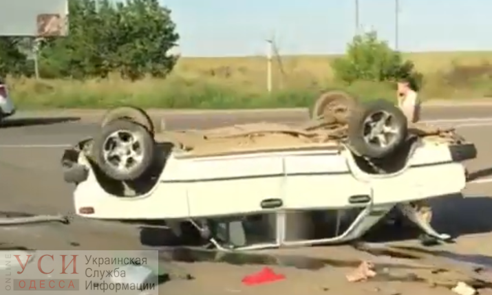 В районе Староказачьего перевернулась машина (видео) «фото»