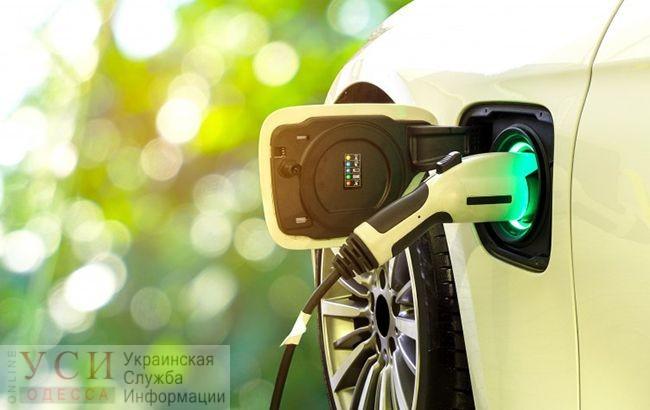 Зеленский подписал закон о зеленых номерах для электрокаров «фото»