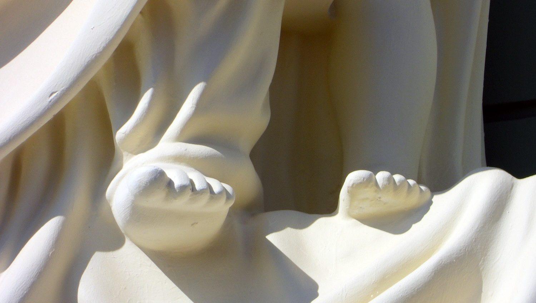 «Беленько, чистенько, но бедненько»: аутентичные скульптуры на доме Руссова сравнили с пластилиновыми (фото) «фото»