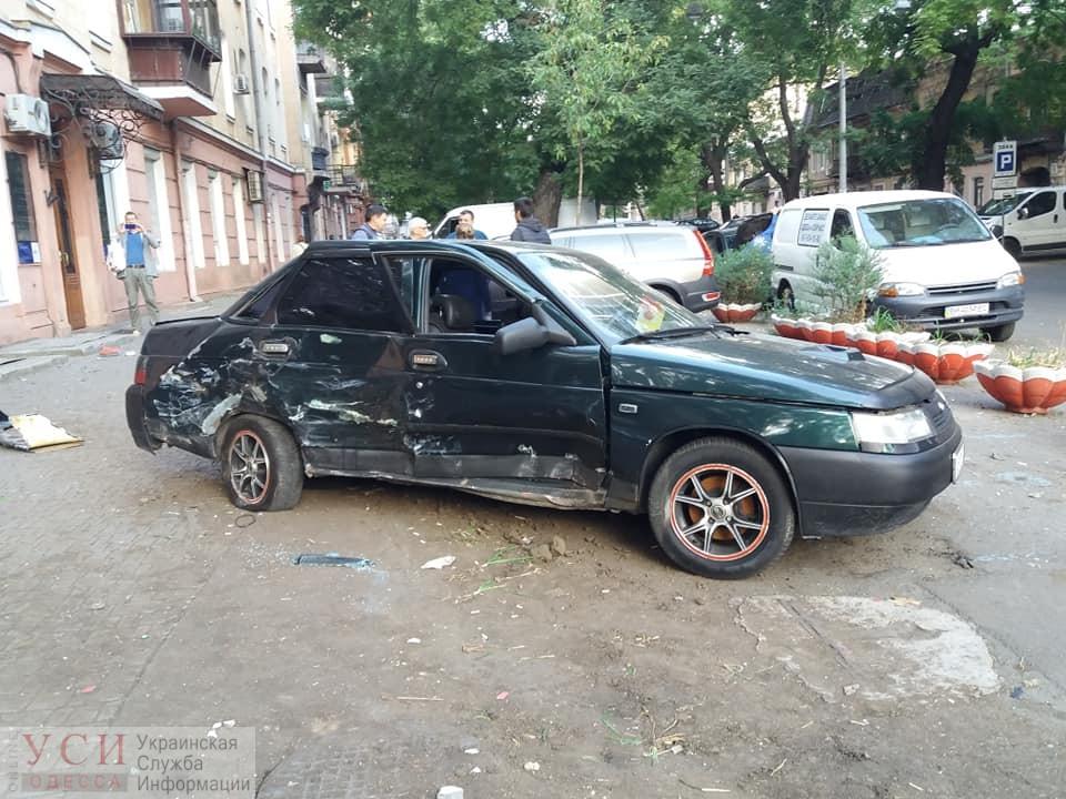 Ночью на Ришельевской произошло сразу два ДТП (фото) «фото»