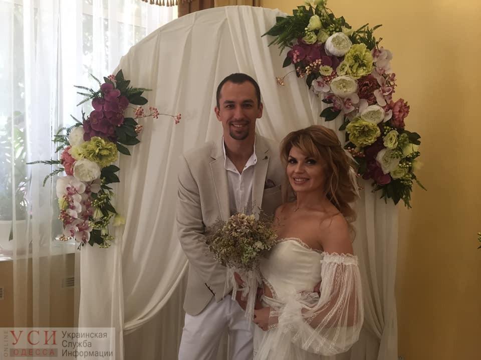 Счастливая дата: более 70 пар сыграли свадьбы в Одессе в один день (фото) «фото»