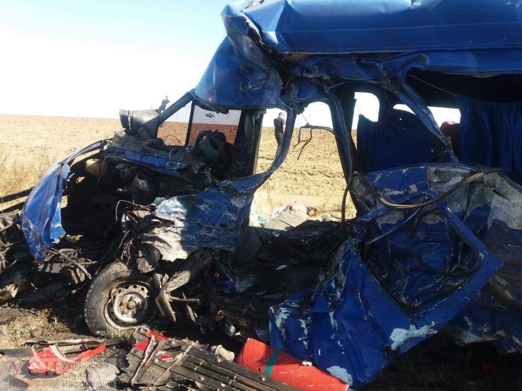 Вторая катастрофа за неделю: на трассе Одесса-Овидиополь 9 человек погибло из-за столкновения маршрутки и бензовоза (фото, видео) ОБНОВЛЕНО «фото»