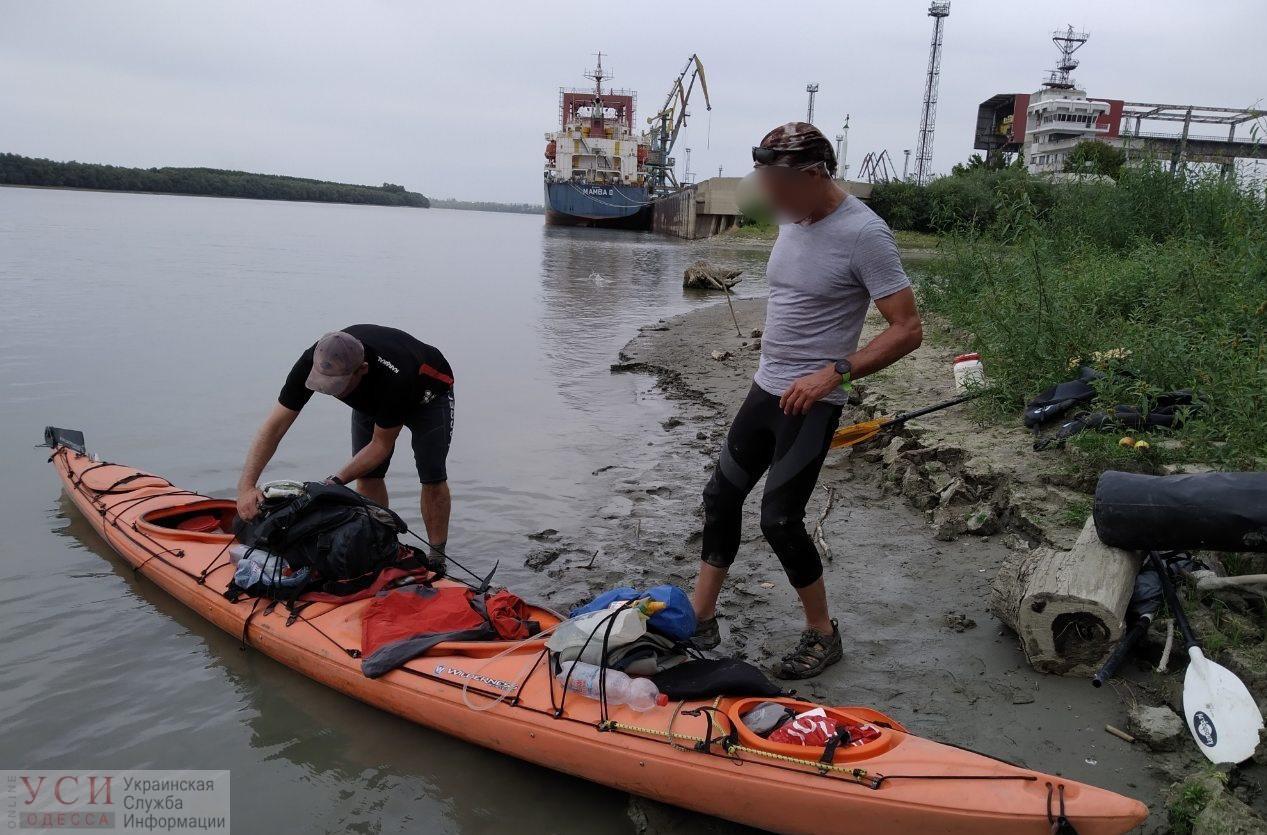 Двое граждан Нидерландов приплыли на каяках в Рени, чтобы выпить кофе, но были задержаны пограничниками «фото»