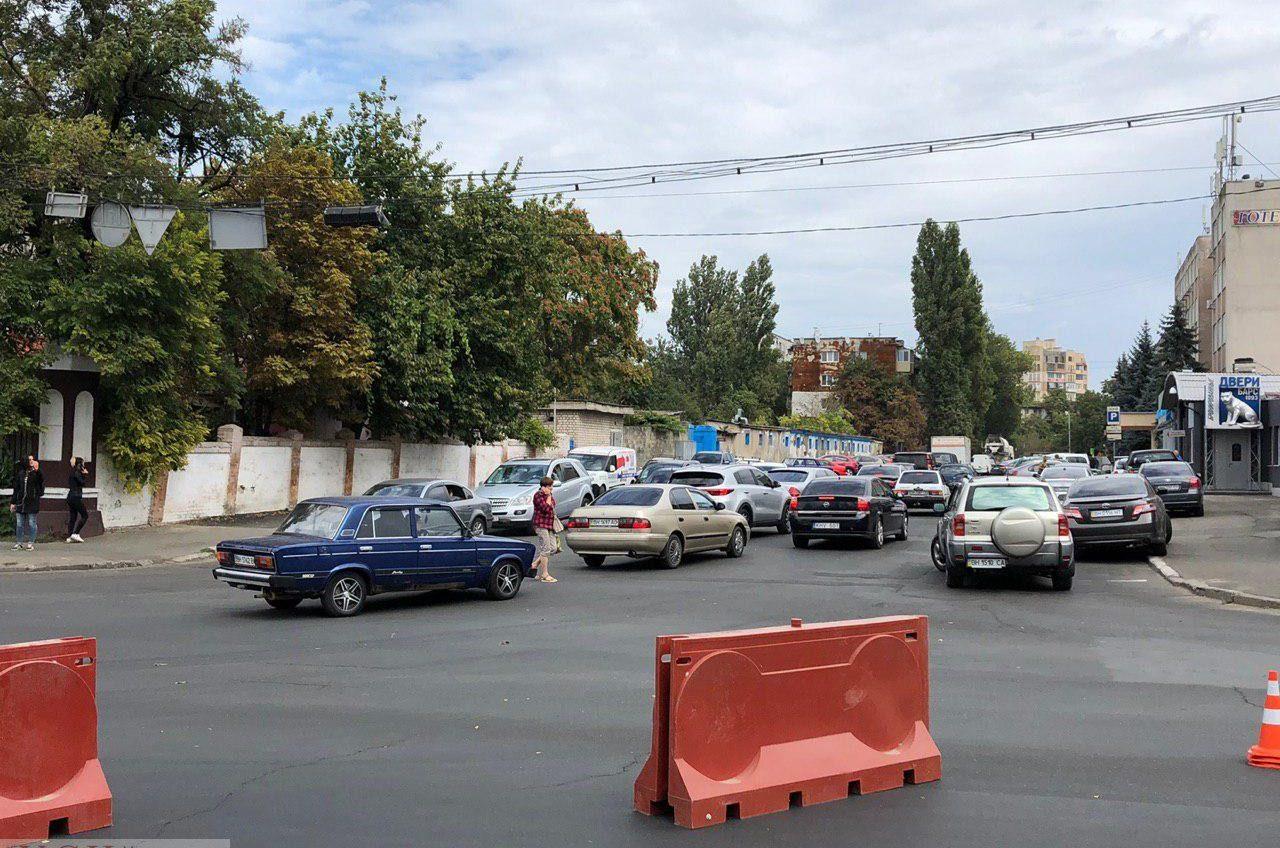 На Люстдорфской дороге начался ремонт водопровода «фото»