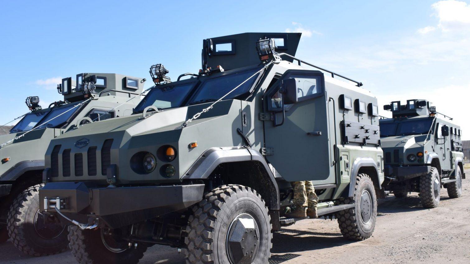 Военные Одесской 28 бригады получили современные бронеавтомобили «Варта» украинского производства (фото) «фото»