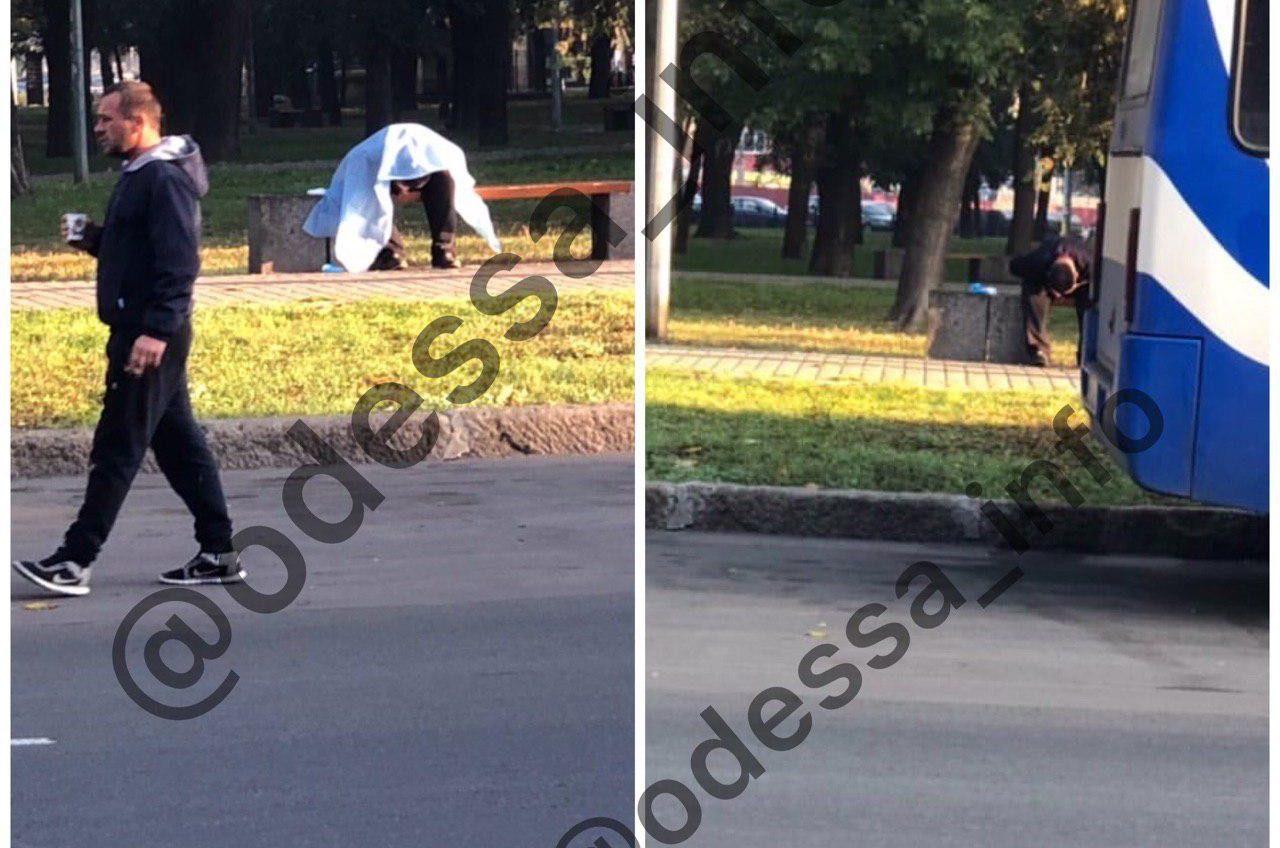 В сквере на Старосенной площади умер мужчина «фото»