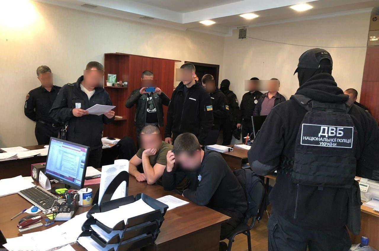Глава Госбюро расследований: одесские патрульные жестоко «выбивали» признание в краже (фото, видео) ОБНОВЛЕНО «фото»