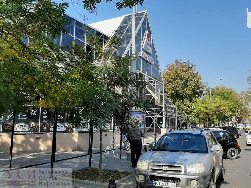 Стеклянную галерею на Преображенской перестроят: на ее месте появится «Таврия В» (фото) «фото»