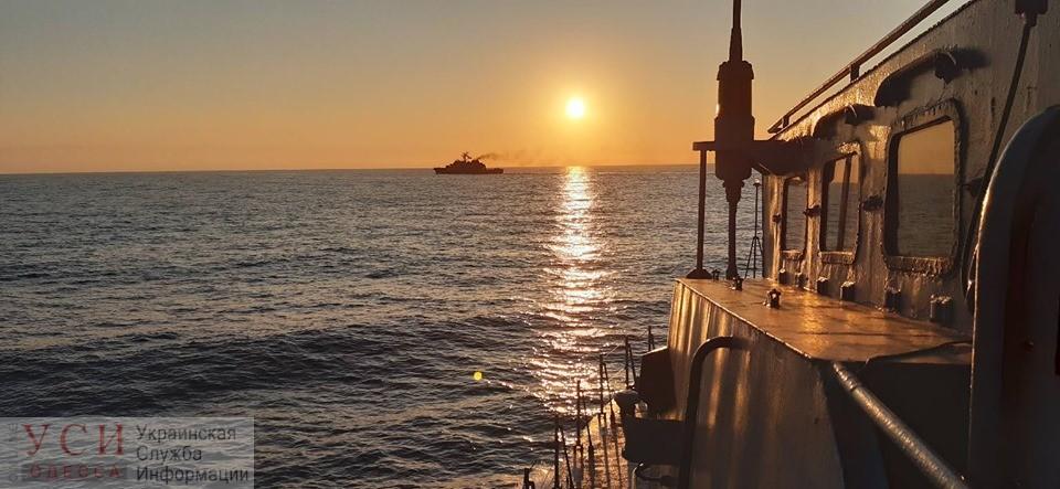 В акватории Одессы украинские морпехи и военнослужащие НАТО провели совместные учения на боевых кораблях (фото) «фото»