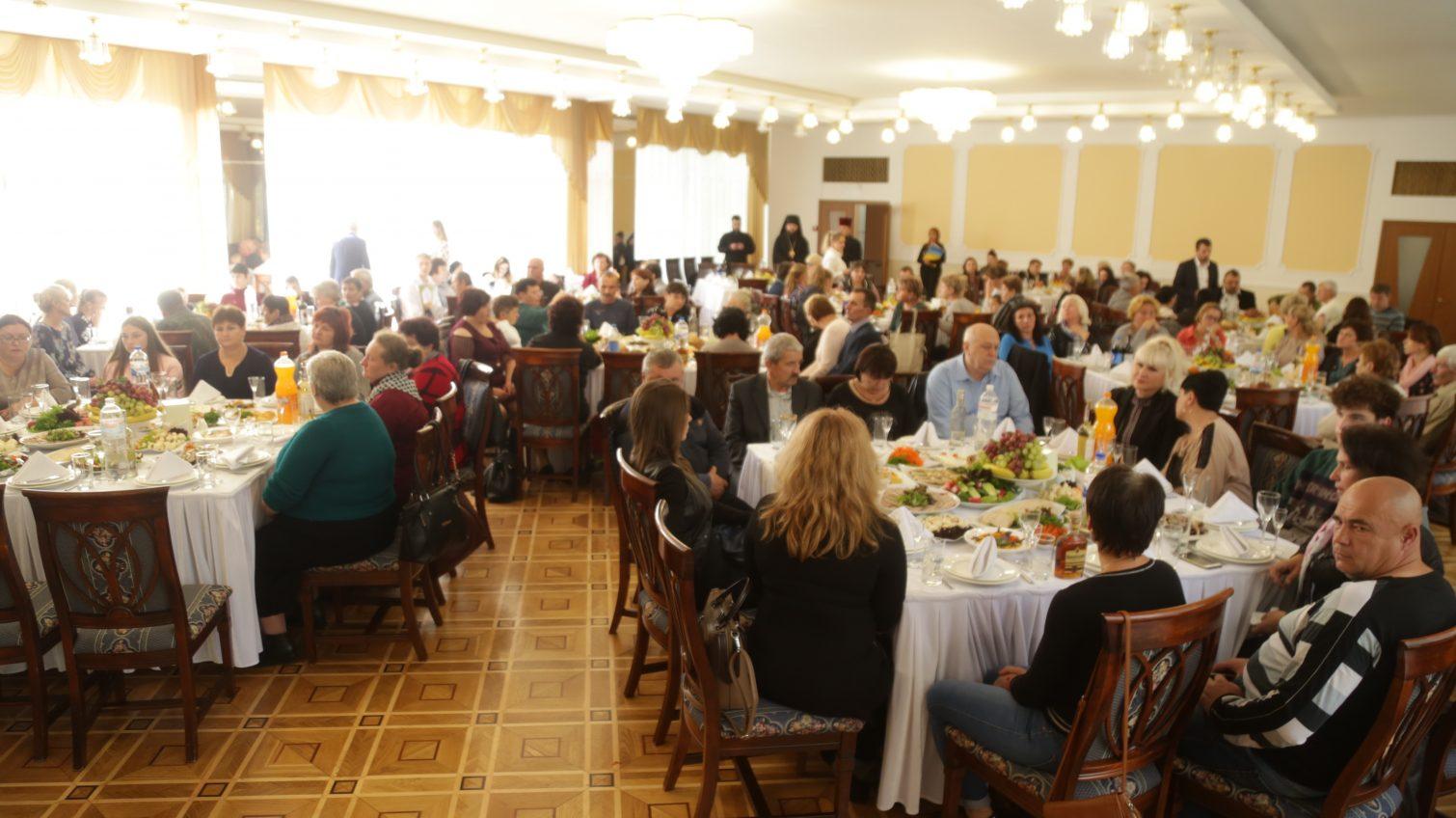 Руководство Одесской области встретилось с семьями погибших в зоне АТО (фото) «фото»