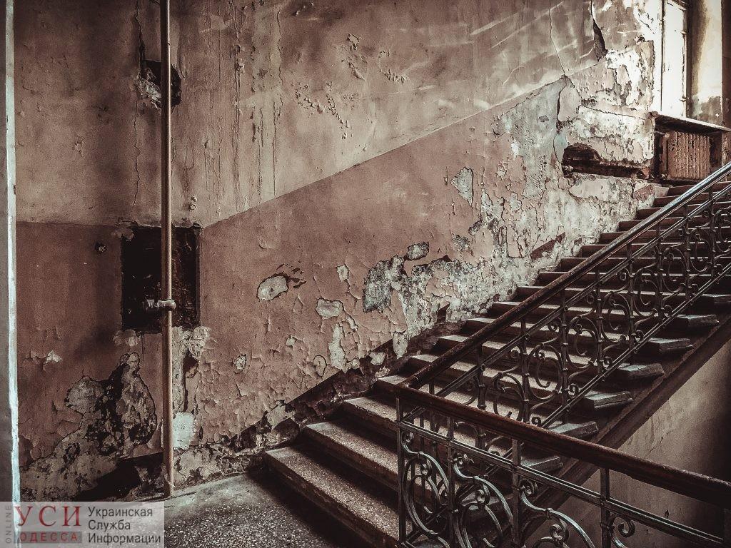 В Одессе большая часть домов-памятников в неудовлетворительном состоянии: в ГАСИ винят владельцев квартир и домов «фото»