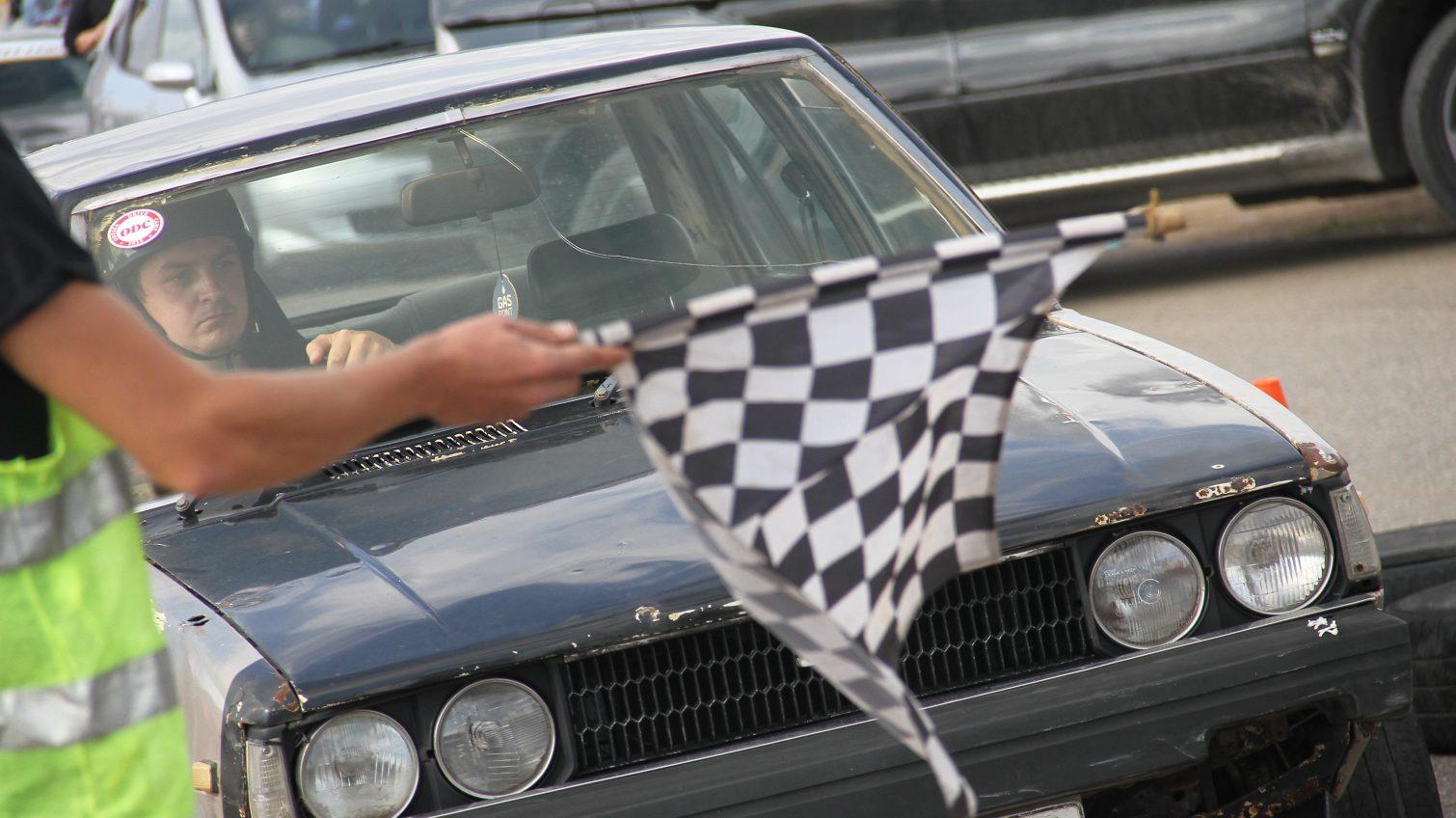 Кольцевые гонки, дрифт «такси» и выставка авто – под Одессой соревновались любители спорткаров и быстрой езды (фоторепортаж) «фото»