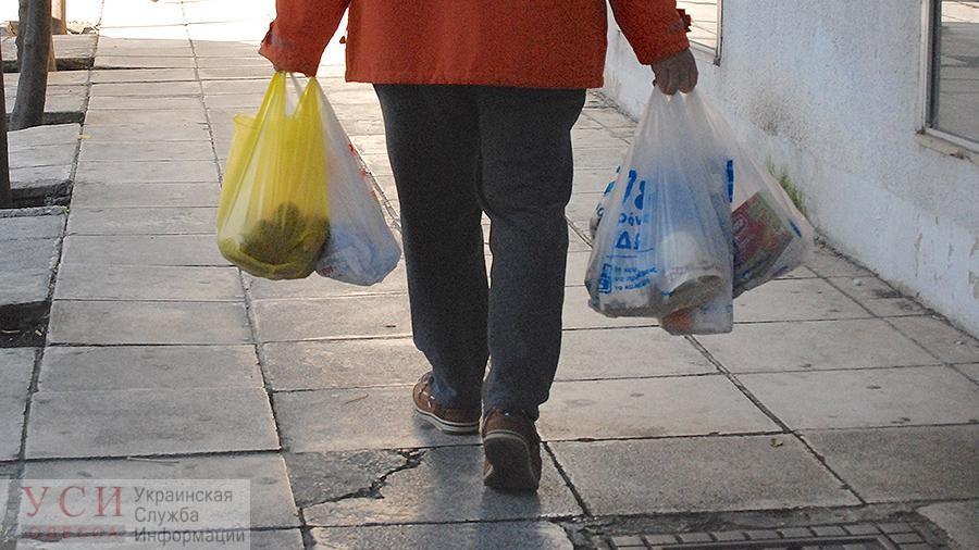 Запасайтесь шопперами: Кабмин готовится запретить пластиковые пакеты в Украине «фото»