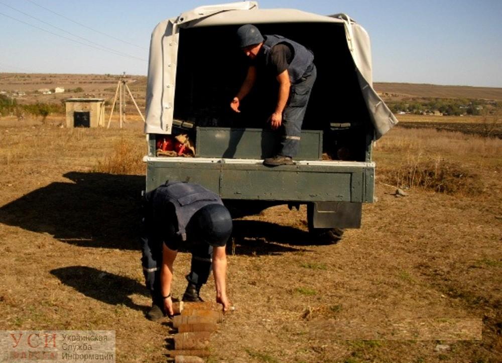 В колодце под Одессой жители поселка обнаружили тайник со снарядами (фото) «фото»