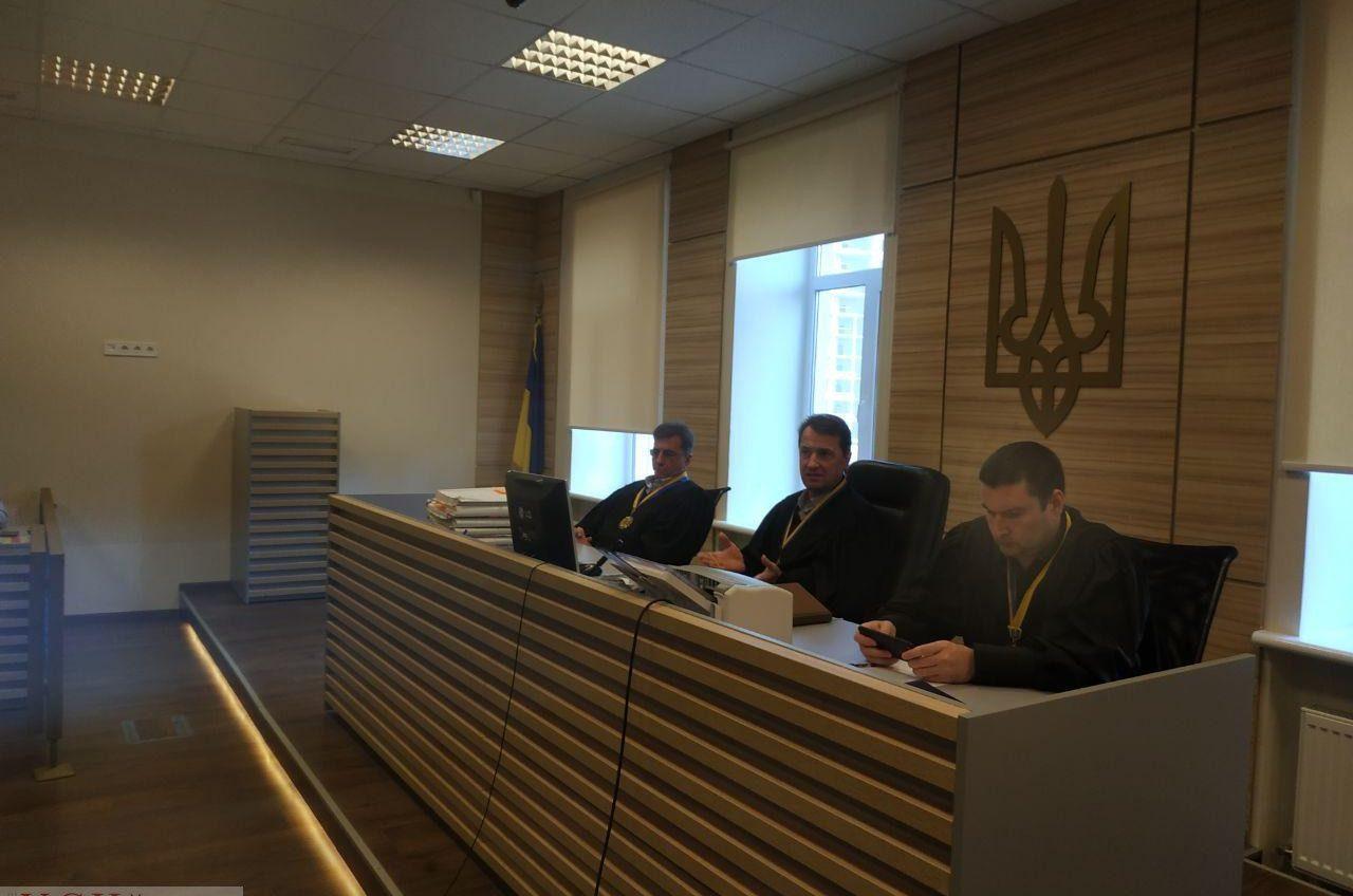Апеляционный суд продлил рассмотрение дела уволенного за пьяную езду следователя Григоращенко «фото»