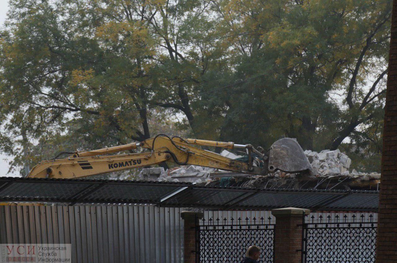 В Преображенском парке началась стройка: на месте кафе построят 3-этажное здание (фото) «фото»